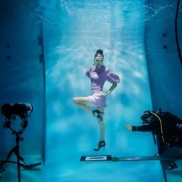 Session de photos de mode dans l'eau / Underwater fashion photo shoot