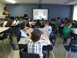 Présentation multimédia dans une école / Multimedia presentation in a school