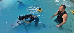 Création d'un studio photo sous-marin pour une campagne publicitaire / Creation of an underwater photo studio for an advertising campaign