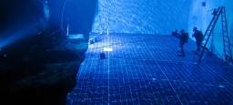Création d'un grand plateau sous-marin pour une scène dramatique / Creation of a large underwater set for a dramatic scene