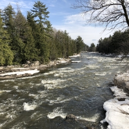 Tournage dans un décor naturel hivernal / Shoot in a natural winter setting