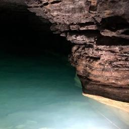 Découverte de cavernes sous-terraines uniques à Radio-Canada / Discovery of unique underground caverns on Radio-Canada